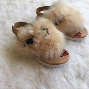 NWOT UGG flip flops/sandals